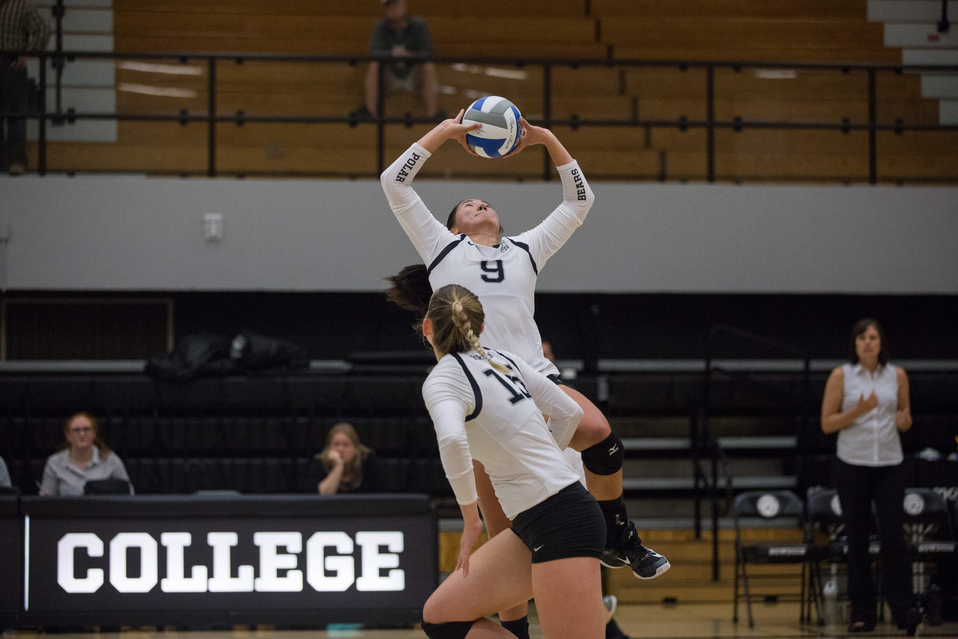 Volleyball looks towards Colby and Bates after strong weekend – The